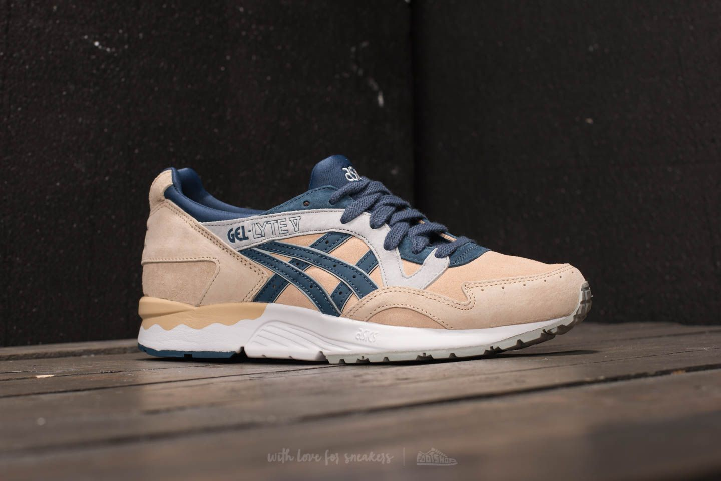 newest collection 4adc4 5e44d asics tiger gel lyte